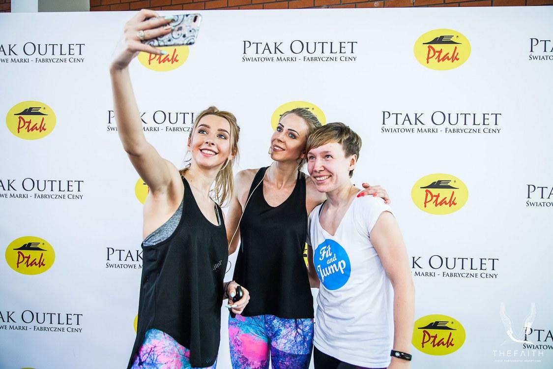 be0ae370fa415 Gwiazdy fitnessu w Ptak Outlet!
